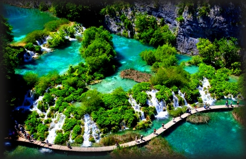 walking-through-plitvice
