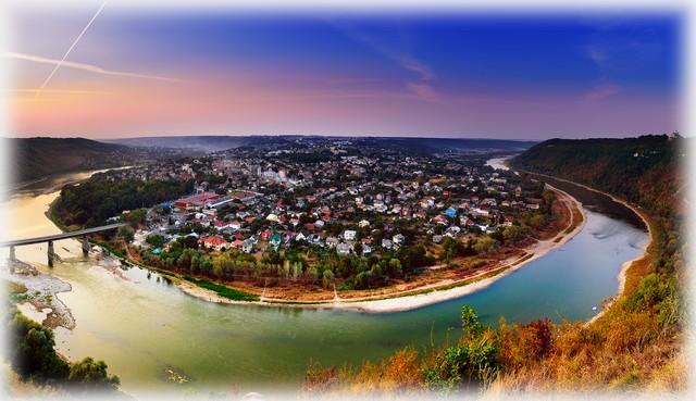 Zaleshchiki panoramic view