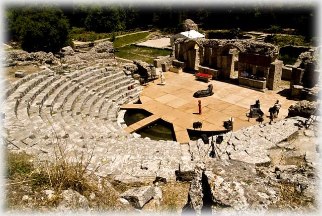 Amphitheatre_of_Butrint